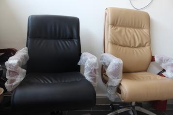 buy Grand Maddox Visitor Chair Black