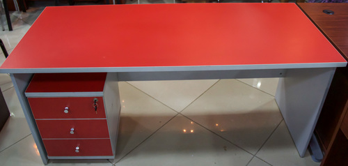 buy 1.6 Mtr Manager Table ( 160x70) 1.6 Mtr Brick Red
