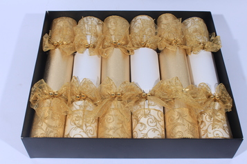 Set of six hand made christmas crackers.index