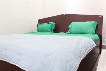 buy Coffee Brown Upholstered Alibert Bed